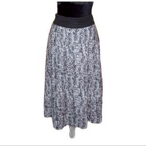 L ROBERT LOUIS Animal Print Black Gray Skirt NWT